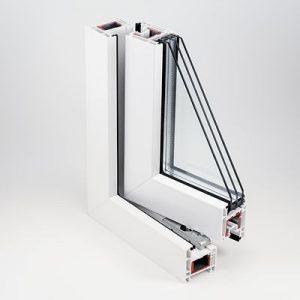 REHAU SELECTED 604-х камерный профиль шириной 60 мм (дополнительная камера позволяет улучшить теплосберегающие свойства конструкции);стеклопакет толщиной 32 мм, благодаря чему сопротивление теплопередаче окна (Rо) может достигать 0,78 Вт·°С/Вт;наклонный фальц коробки, который способствует отводу воды из фальца рамы и створки;оригинальное уплотнение из каучука RAUTUBE, надёжно защищающее от сквозняков и пыли;долговечная фурнитура;эргономичные ручки IDEA-Design, рассчитанные на более чем 22 000 циклов открывания/закрывания;индивидуальный дизайн.