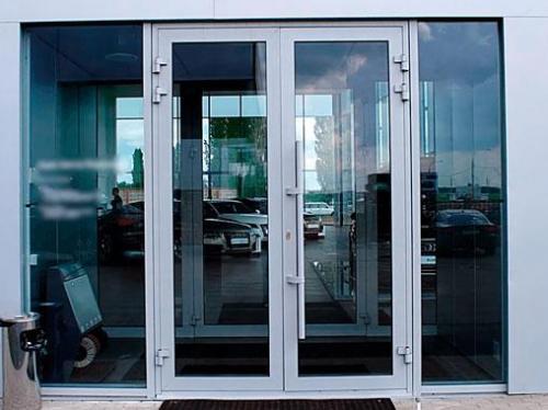 алюминиевые-двери