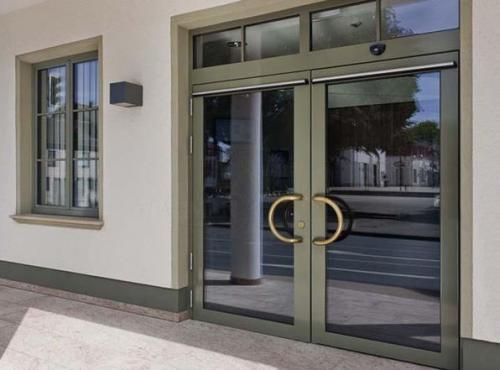 алюминиевые-двери недорого