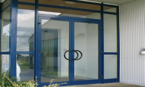 alyuminievye-dveri-i-okna